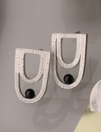 Drape Earrings - Akoya Pearl