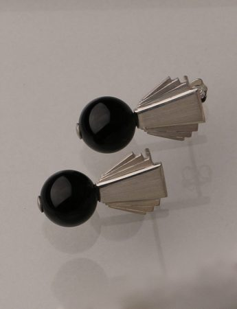 Fantail Earrings - Silver & Onyx