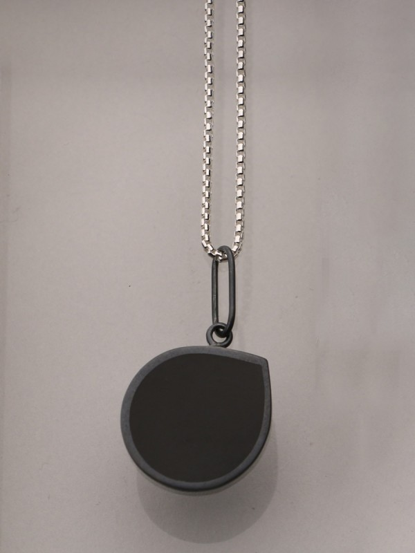 Pebble Necklace – Black