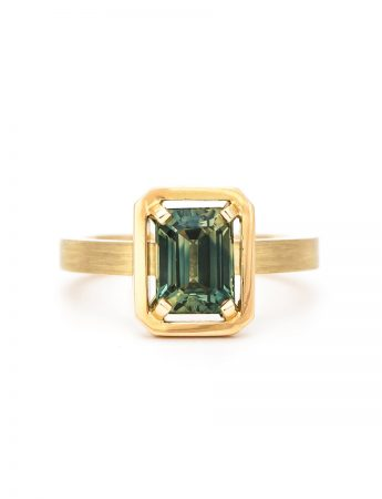 Rectangle Sapphire Drift Ring - Yellow Gold