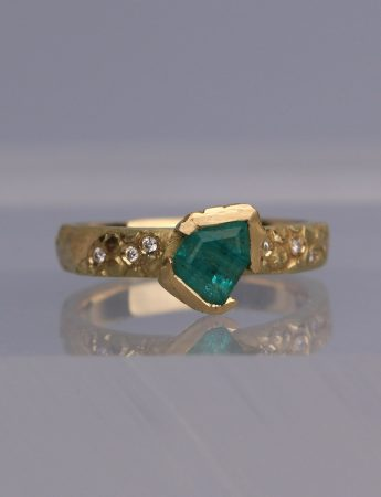 Textura Freeform Emerald Ring