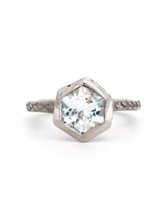 Textura Hex Ring – White Gold & Topaz