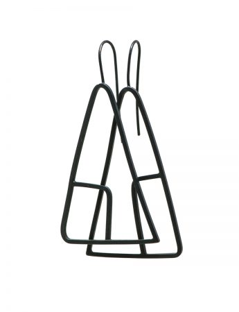 Sen Line Triangle Earrings - Black