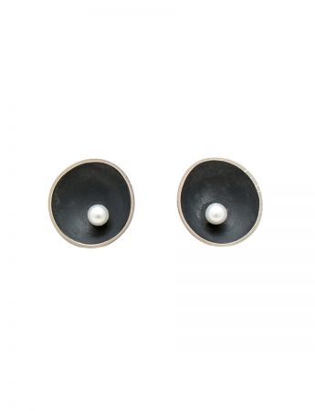 Small Blackened Sea Dish Stud Earrings - White Pearl