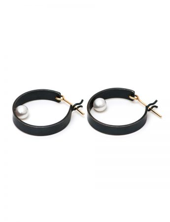 Shikaku Pearl Hoop Earrings