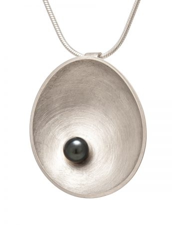 Silver Sea Dish Pendant Necklace - Black Pearl