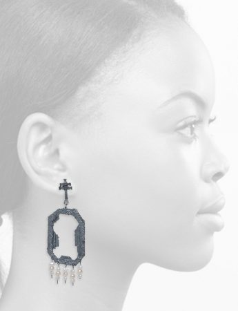 Extasis Earrings – Blackened Silver & Pearl