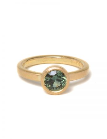 Peachy Green Sapphire Ring - Yellow Gold
