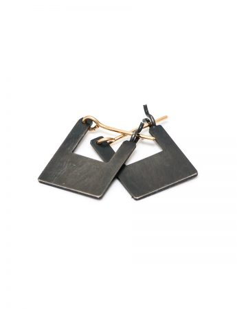 Shikaku Square Pyramid Earrings - Small