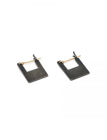 Shikaku Square Pyramid Earrings – Small