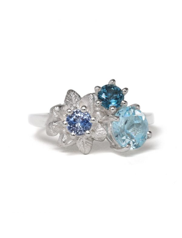 Medium Forget Me Not Floral Posy Ring – Blue