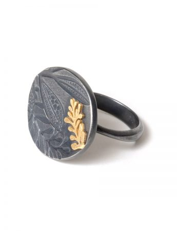 Leaf Imprint Ring – Black & Gold