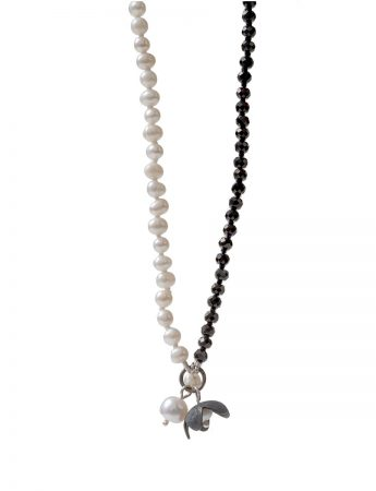 Long Pearl Flower Necklace - Black & White