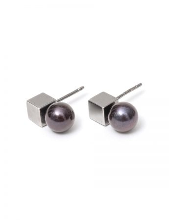 Polished Cube Pearl Earrings - Black
