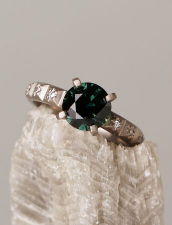 Aurora Ring - Green Sapphire & Diamonds
