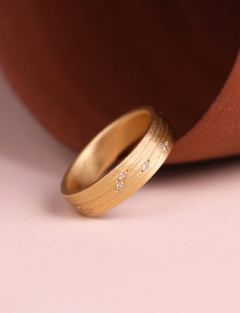 Ingrained Diamond Ring - Yellow Gold