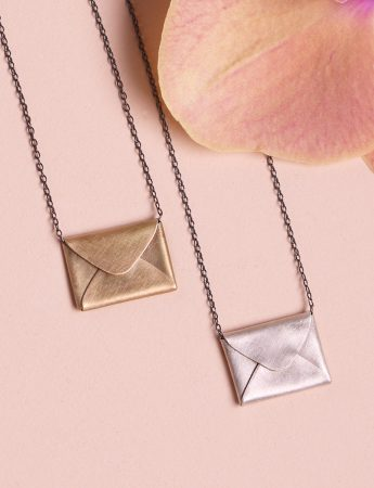 Love Letter Necklace – Gold