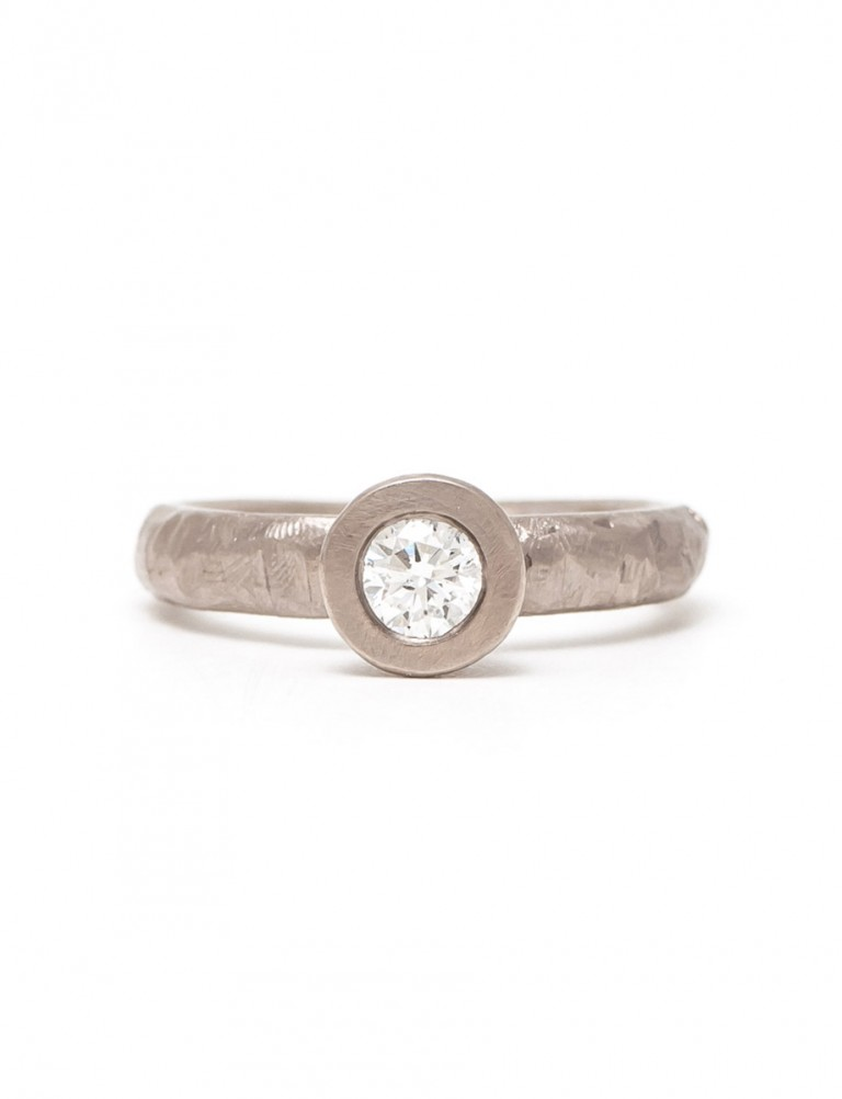 Diamond Heart Solitaire Ring – White Gold
