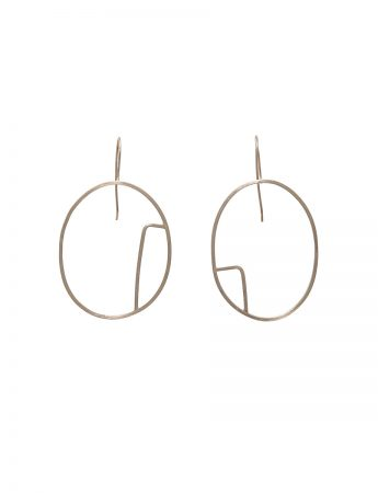 Sen Line Asymmetric Oval Earrings - Silver