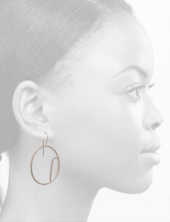 Sen Line Asymmetric Oval Earrings – Silver