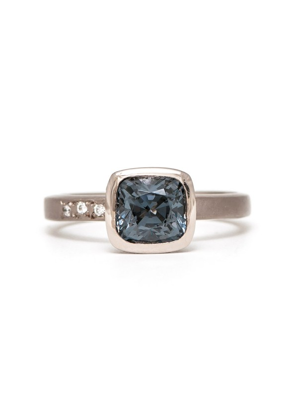Storm Ring – Grey Spinel & White Gold