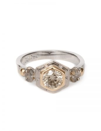 Gleaming Crystals Ring - Champagne Diamond
