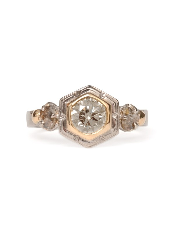 Gleaming Crystals Ring – Champagne Diamond