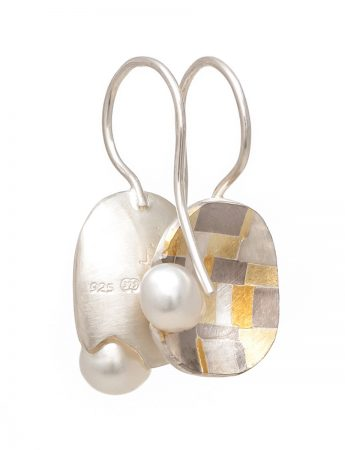 Coastal Terrain Hook Earrings – Pearls