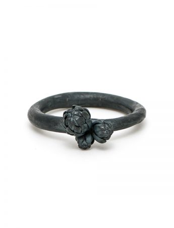 Norfolk Pine Triple Cluster Ring - Black