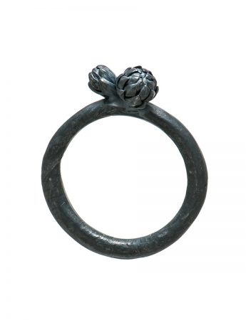 Norfolk Pine Triple Cluster Ring – Black