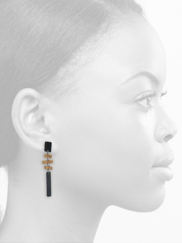 Long It's a Bit Fishy Earrings – Black & Gold