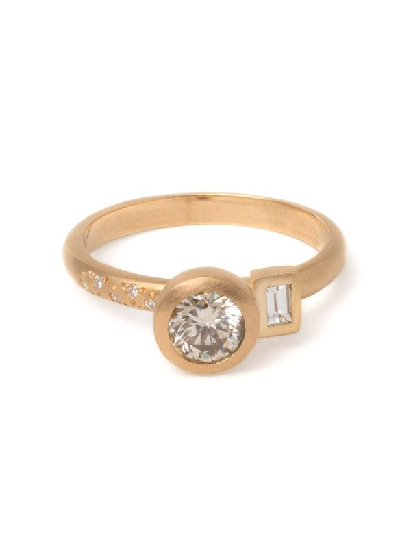 Radiance Ring – Gold & Champagne Diamonds