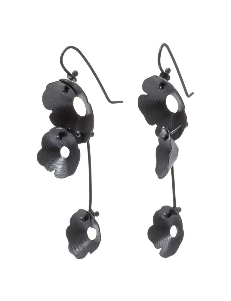 Anemone Three Flower Earrings – Black