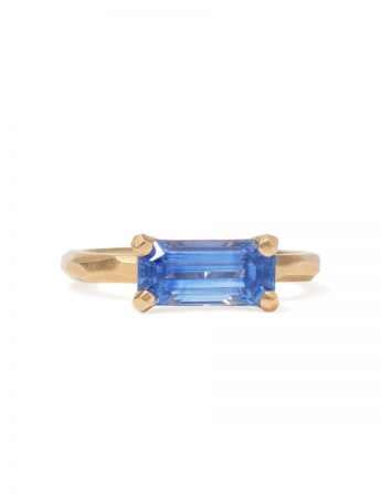 Faceted Ring - Yellow Gold & Cornflower Blue Sapphire