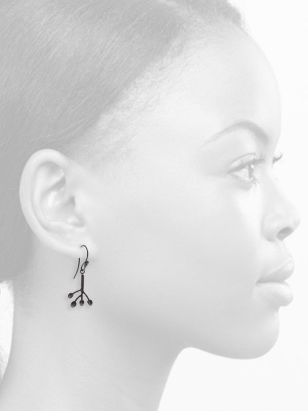 Feuilles Hook Earrings – Black