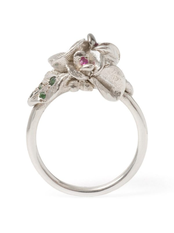 Silver Floral Blooms Ring – Sapphire
