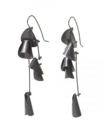 Long Pea Flower Earrings - Black