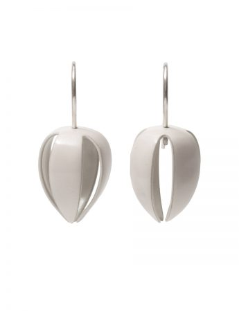Medium Correa Alba Bud Hook Earrings - White and Silver