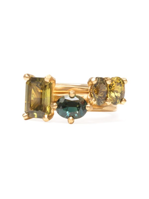 Green Oval Sapphire Ring – Yellow Gold