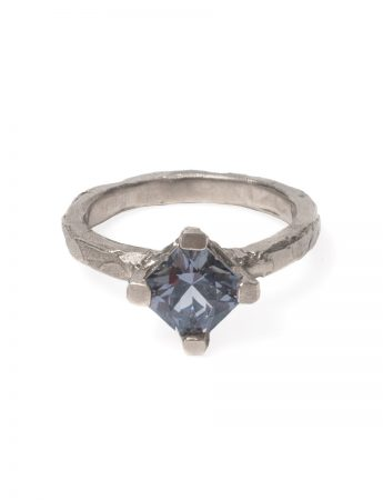 Melted Ring - White Gold with Grey Spinel