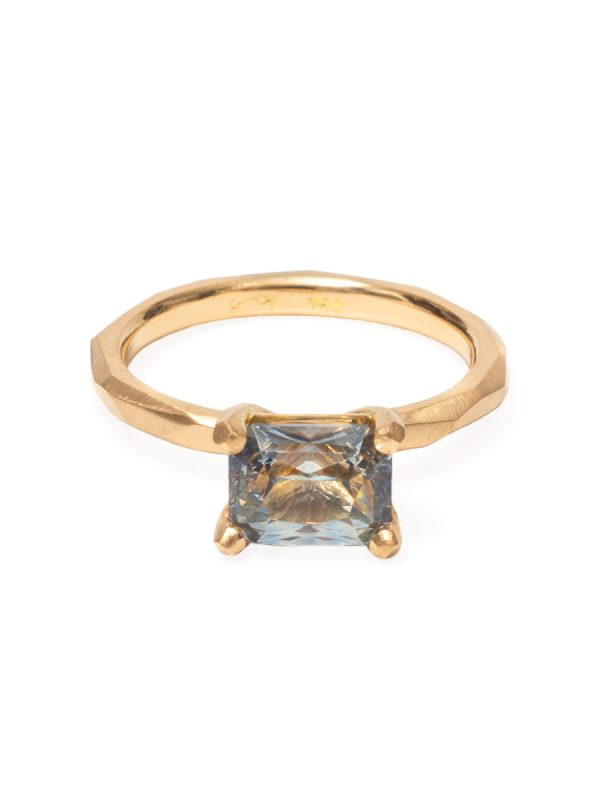 Radiant Cut Madagascan Sapphire Ring – Yellow Gold