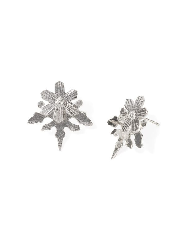 Snowflake Stud Earrings – Silver