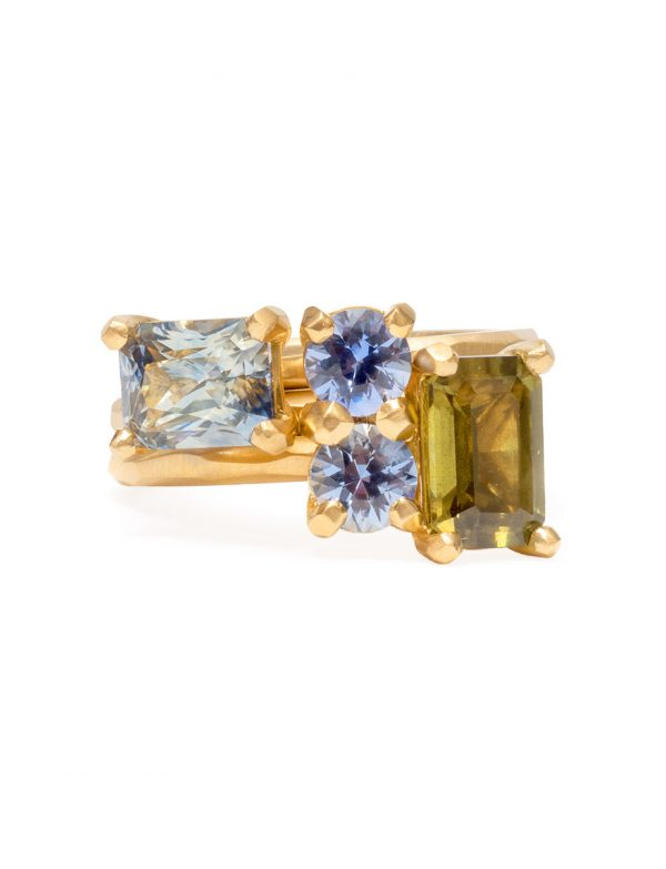 Soul Mate Ring – Pale Blue Sapphires