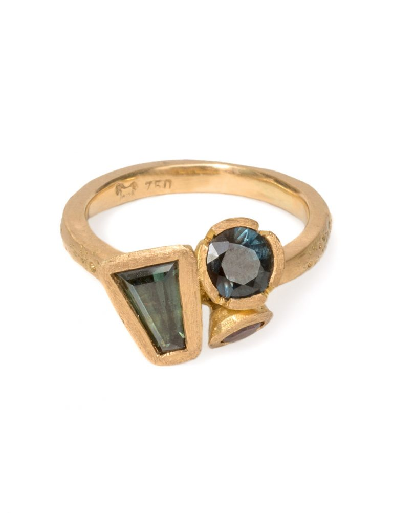 Textura Lowenna Ring – Spinel & Sapphire