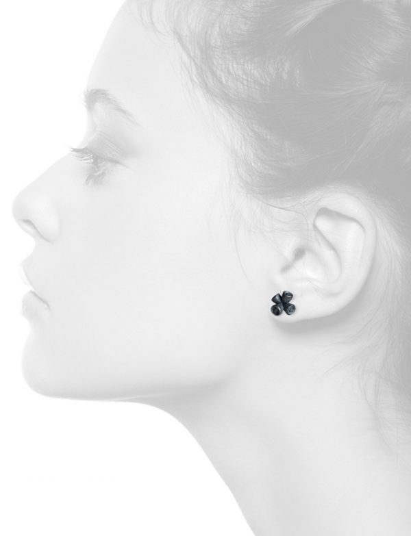 Bushwalker Gumnut Four Stud Earrings – Black