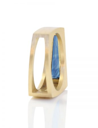 Undivided Ring – Blue Sapphire