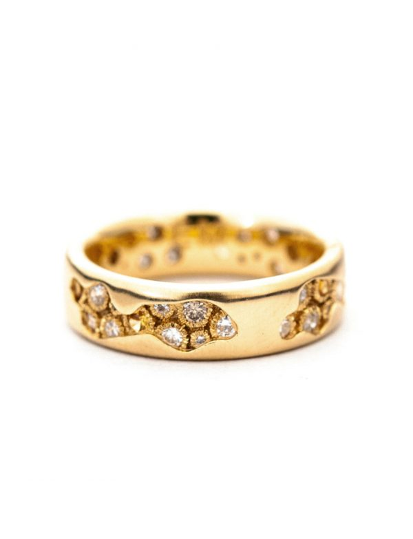 Riverbed Ring – Yellow Gold & Diamond