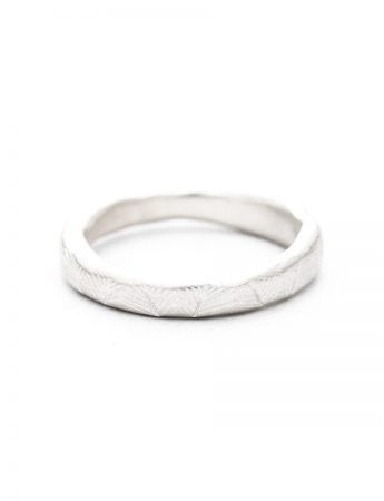 Beachcomber Narrow Leaf Emboss Ring - Silver