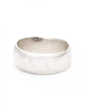 Beachcomber Wide Leaf Emboss Ring - Silver