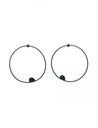 Sen Line Tribal Large Circle Earrings - Black